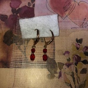 Vintage red beaded dangling gold colored eearings